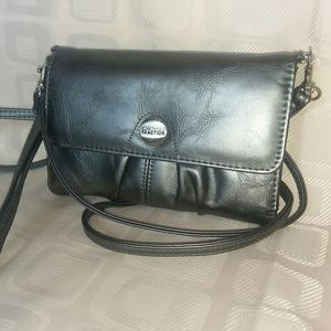 Kenneth Cole Reaction Wristlet/Crossbody Purse